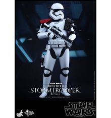 Hot Toys MMS334 Star Wars: TFA - First Order Stormtrooper Officer Sixth Scale Figure