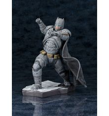 Kotobukiya Batman v Superman: Dawn of Justice Batman ArtFX+ Statue