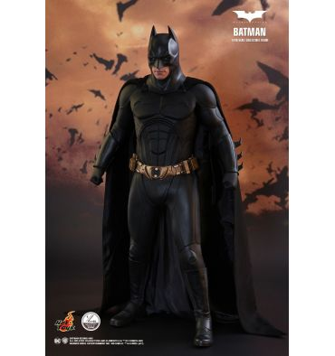 Hot Toys QS009 Batman Begins: Batman 1/4 Scale Collectible Figure